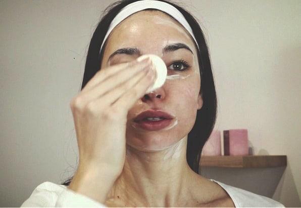Péče v kosmetickém salónu nebo domácí péče? Co je víc?